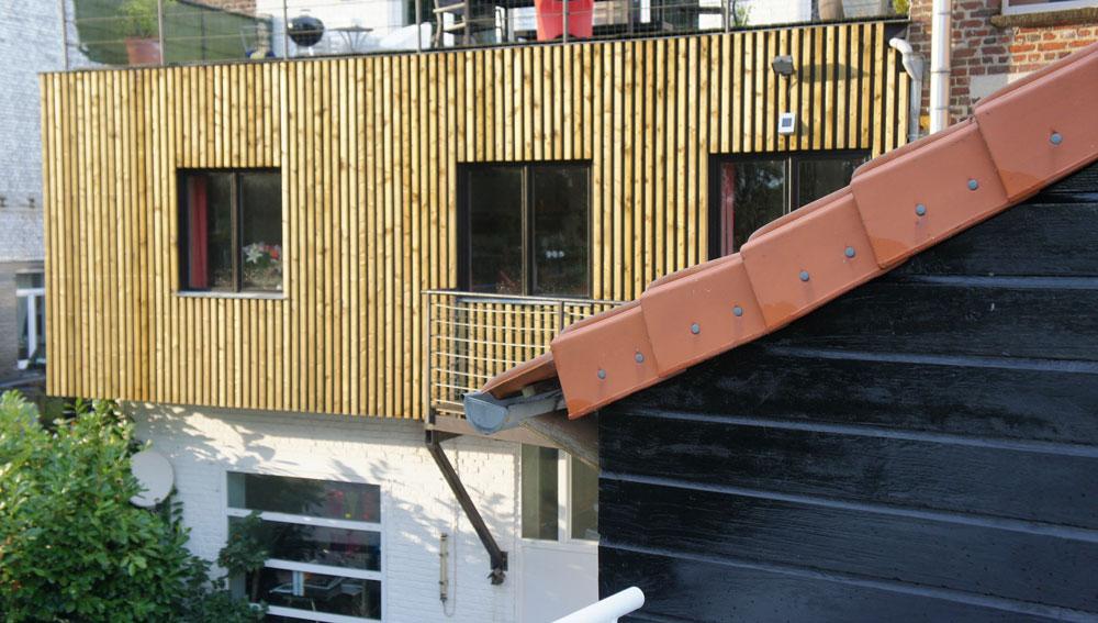 Lofts pierre jean delattre architecture for Bardage bois faux claire voie
